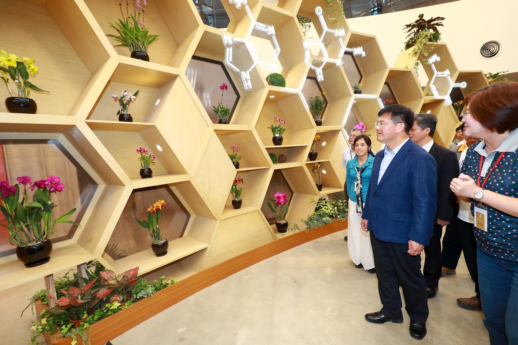 看見台灣蘭花王國之美 花博后里馬場園區「花舞館」花團錦簇