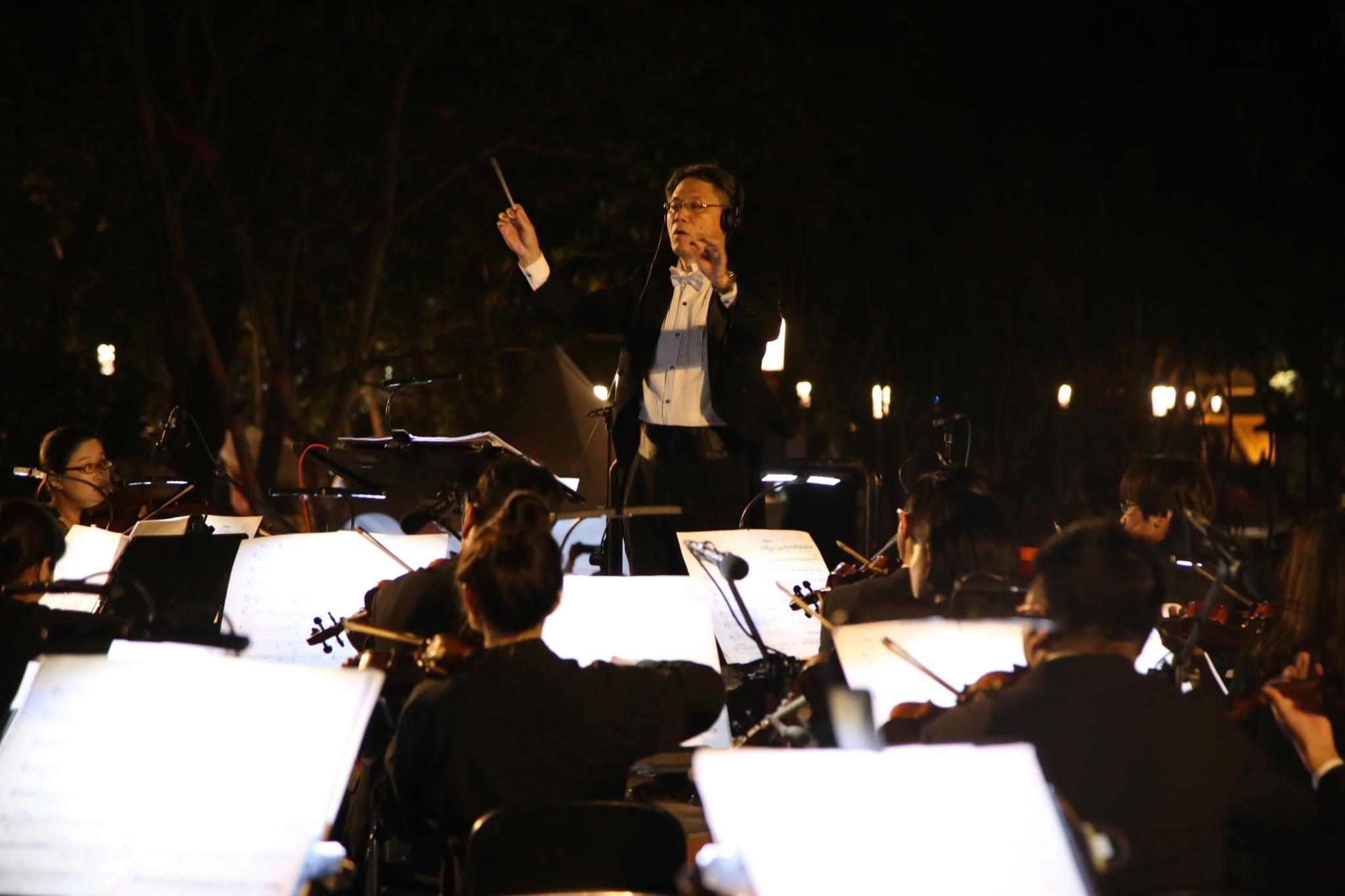 花博后里森林音樂會 搭配機械花、光影轉換震撼全場