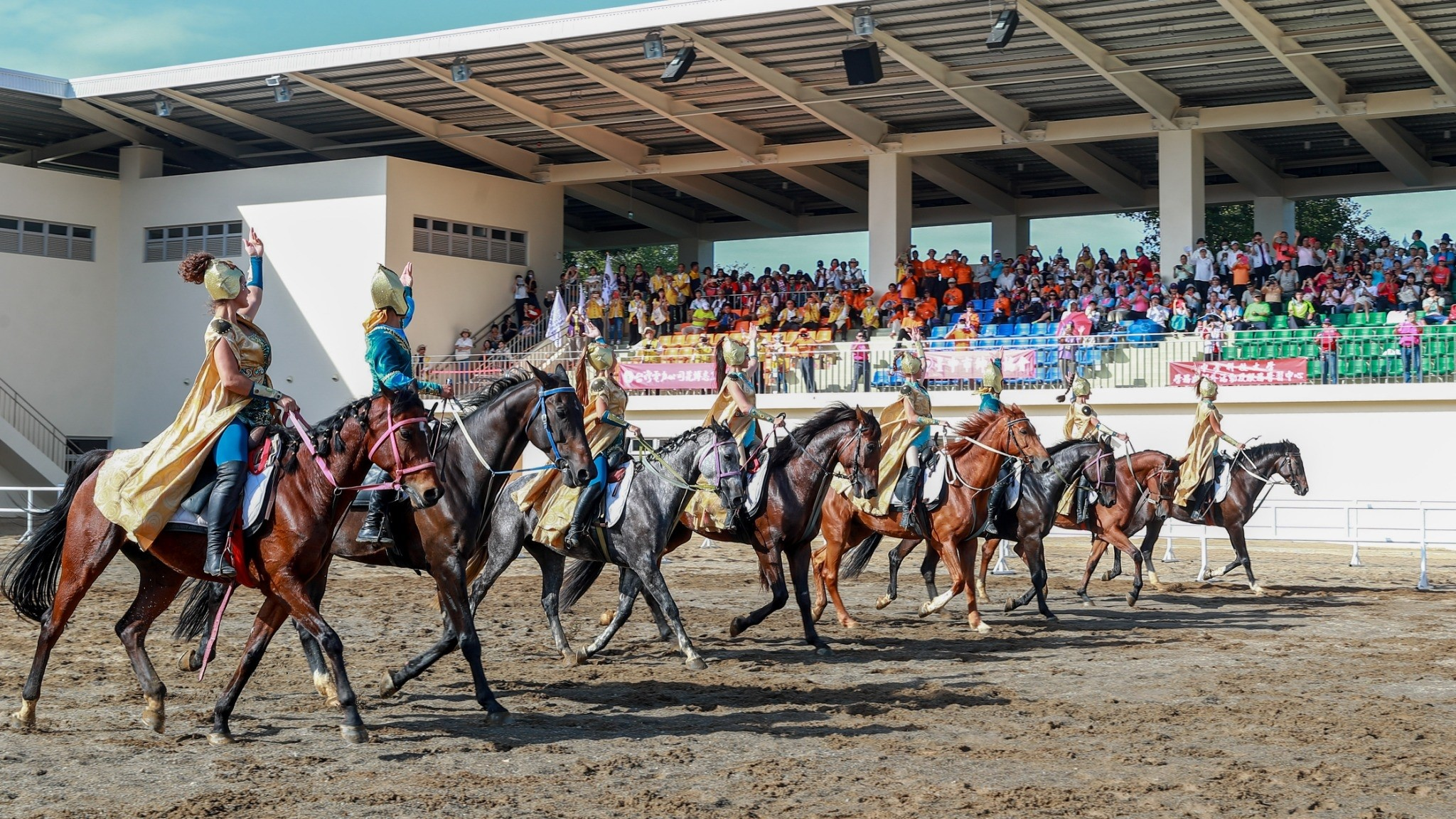 Flora expo Houli Horse Ranch Kazakh equestrian performance wins a standing ovation from the audience