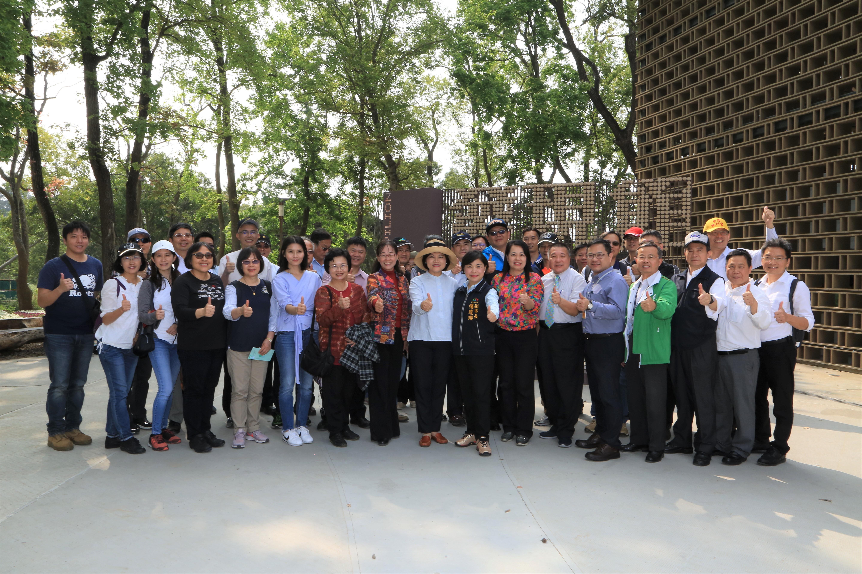 雲林縣府團隊參訪台中花博 盼兩縣市交流共創城市進步