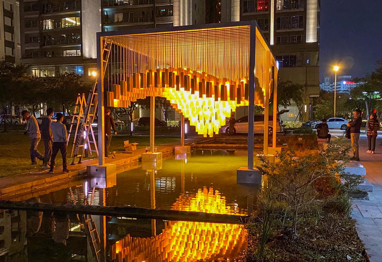 中市府與民間企業合作打造燈會公共藝術 點亮城市夜空